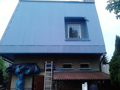 dach pomalowany farba